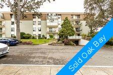 South Oak Bay Condo for sale: Village Oaks 2 bedroom in Oak Bay